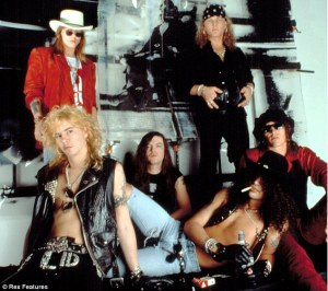 [Articulo} GUNS N' ROSES: REALIDADES Y EXPECTATIVAS. Article-2126609-1281c5ad000005dc-655_634x564