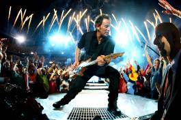 TAMPA, FL - FEBRUARY 01: Musician Bruce Springsteen and the E Street Band perform at the Bridgestone halftime show during Super Bowl XLIII between the Arizona Cardinals and the Pittsburgh Steelers on February 1, 2009 at Raymond James Stadium in Tampa, Florida. (Photo by Jamie Squire/Getty Images)