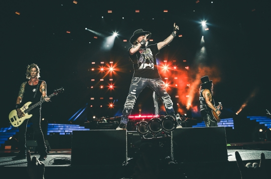 guns-n-roses-cincinnati-performance-billboard-1548